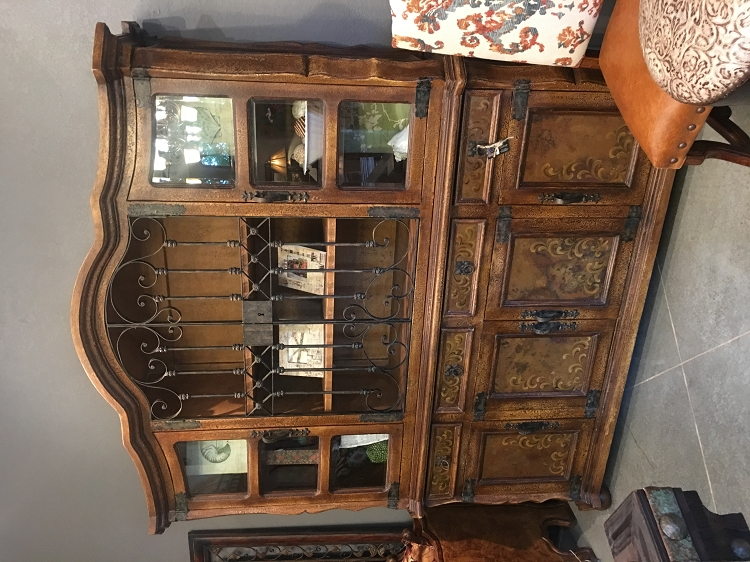 Santa Barbara Old World Hutch